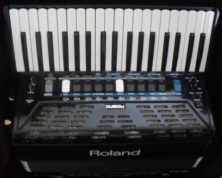 Цифровой аккордеон Roland FR 3X       (8029-265-24-47)