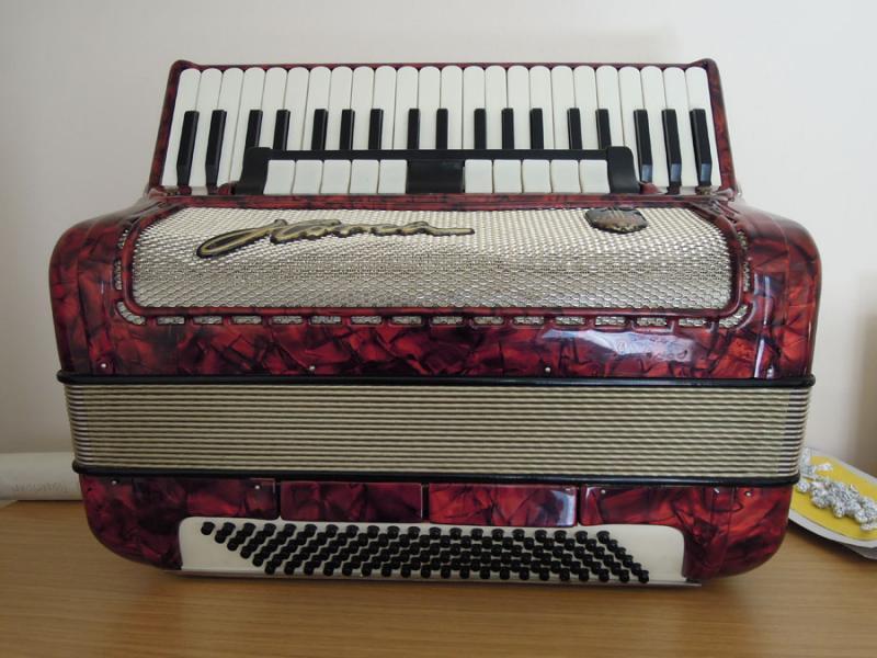 Немецкий аккордеон Horch
