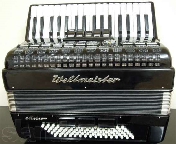 Продается аккордеон WELTMEISTER Meteor 3/4 черный в чехле, б/у.