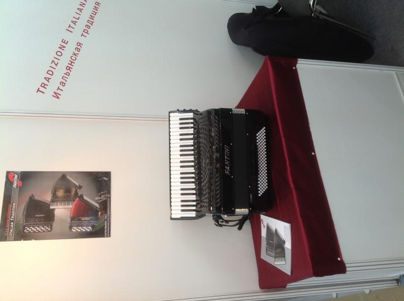 """Срочно продам аккордеон """"FANTINI"""",новый(гарантия 4 года),готово-выборный,цена 4200 евро"""
