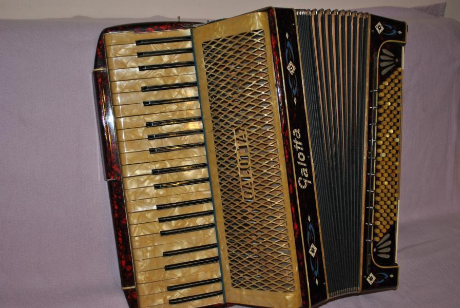 Немецкий аккордеон Galotta