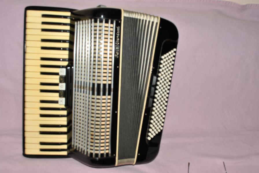 Немецкий аккордеон Royal Standard