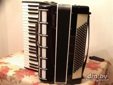 Продам аккордеон Серенада недорого