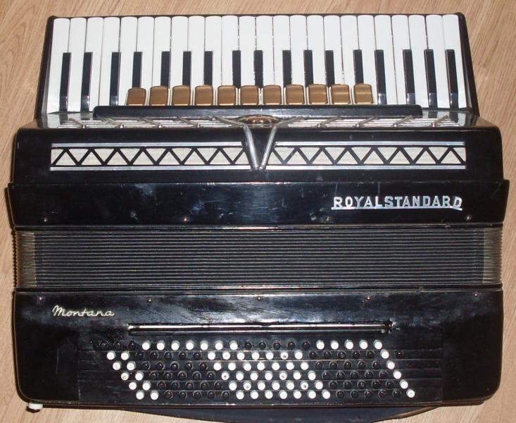 Готово-выборный аккордеон Рояль Стандард Монтана в прокат!