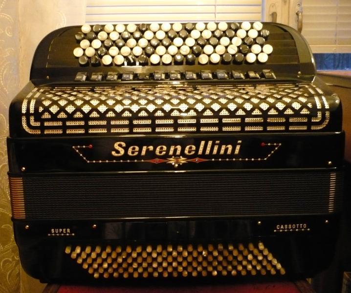 """Профессиональный баян для эстрады """"Serenellini Cassotto Super"""" (Италия) - Новый."""