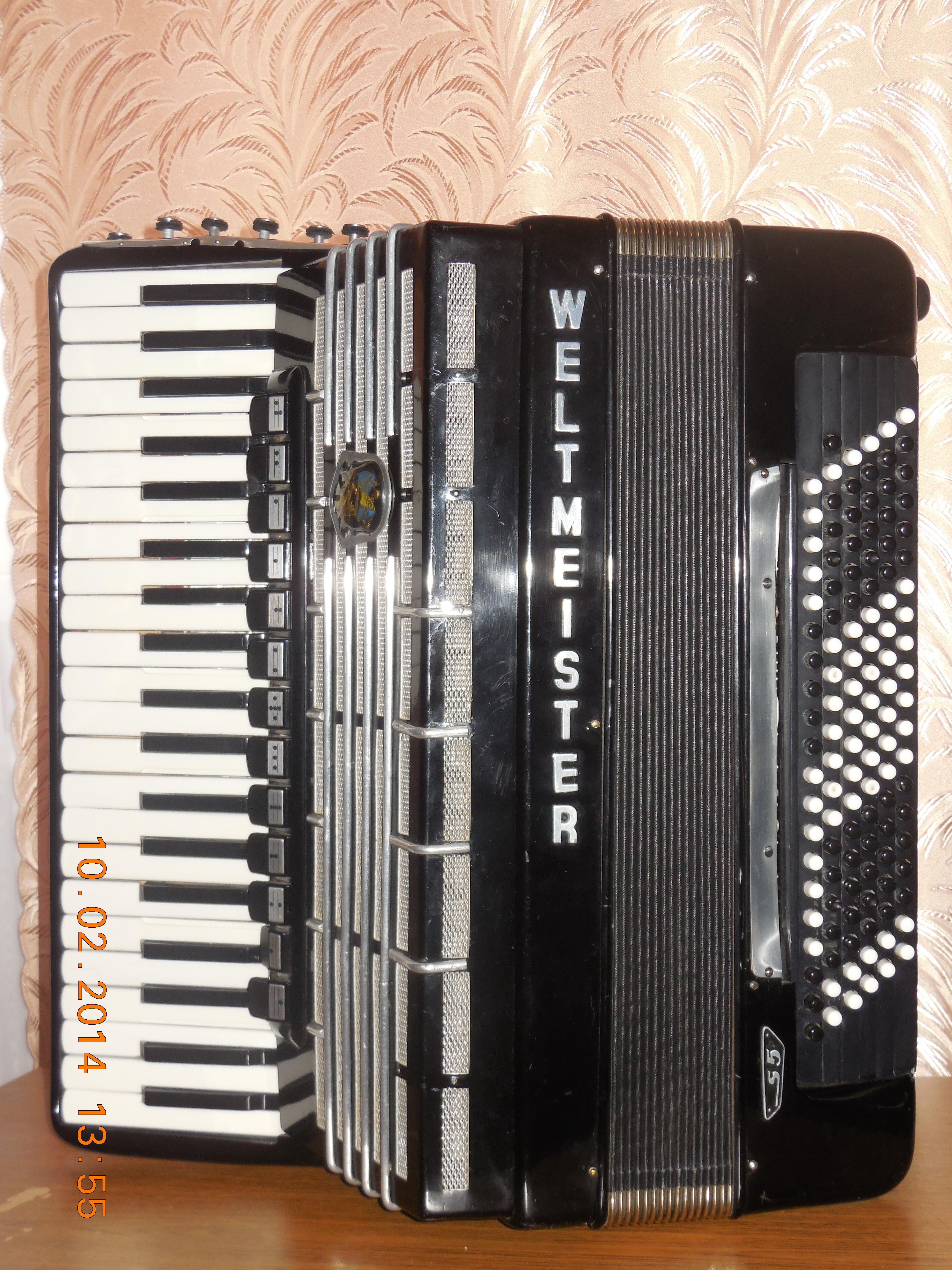 Продаётся аккордеон WELTMEISTER S5