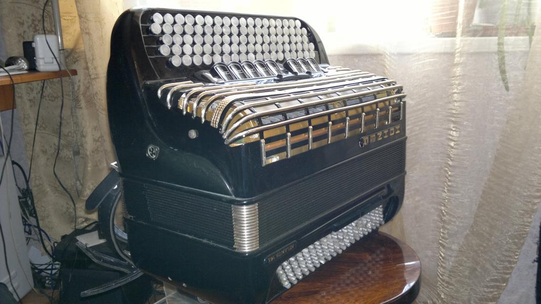 """немецкий кнопочный аккордеон""""Hohner Atlanta145"""