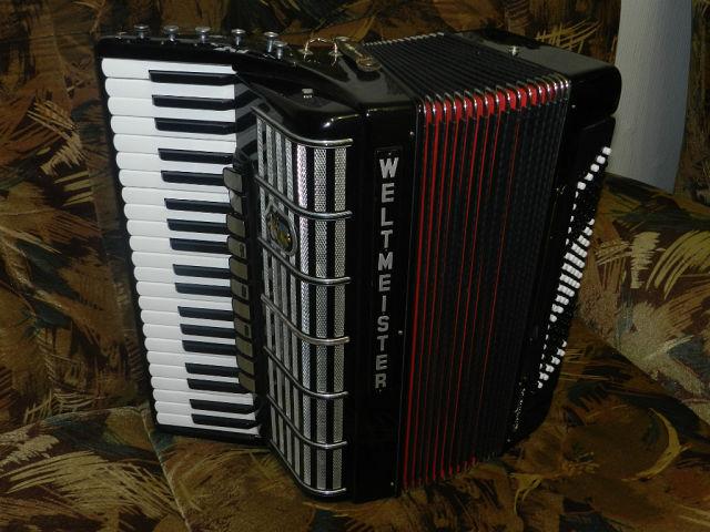 Продам готово - выборный аккордеон WELTMEISTER CANTUS IV