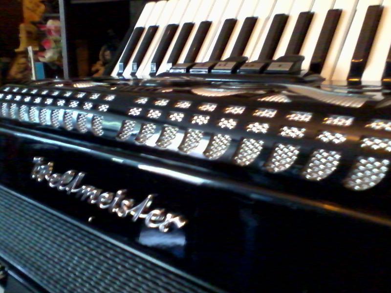 аккордеона Weltmeister Caprice