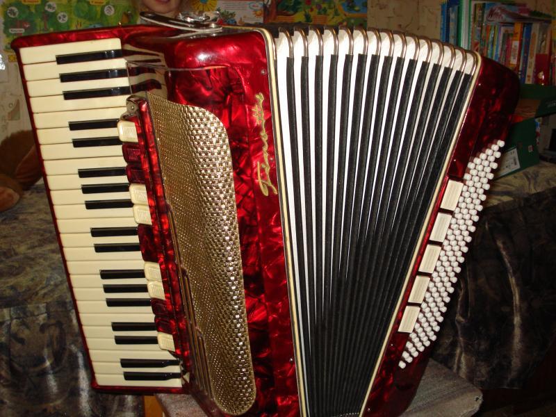 Раритетный аккордеон