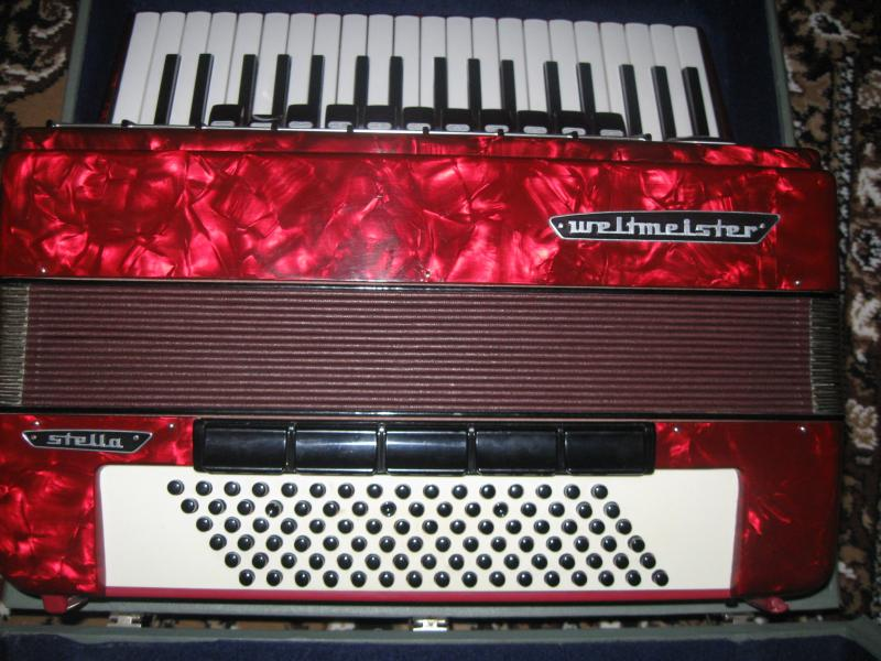 продам  аккордеон STELLA  WELMESTER