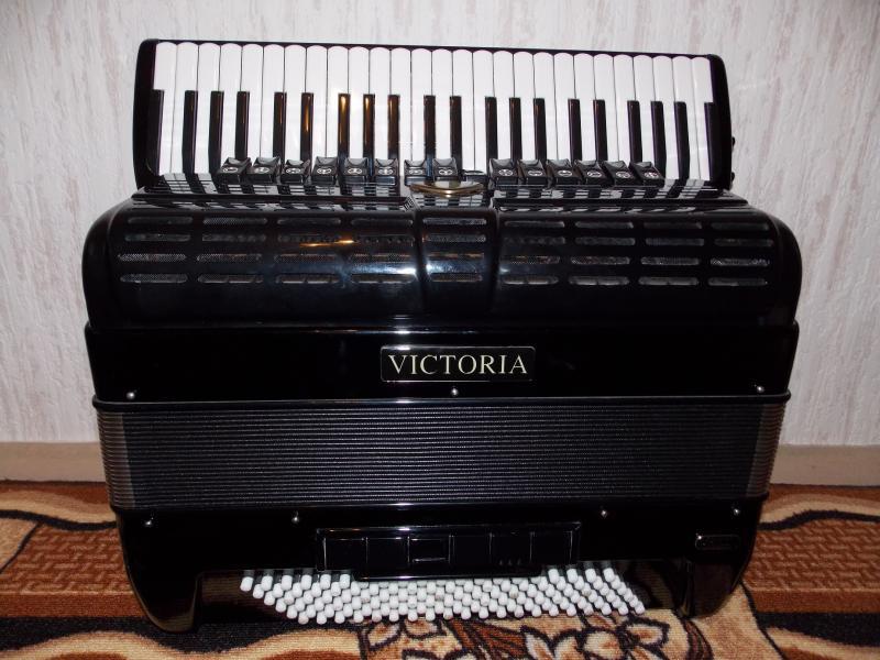 Продам аккордеон Victoria XB380 - Conservatorio II.