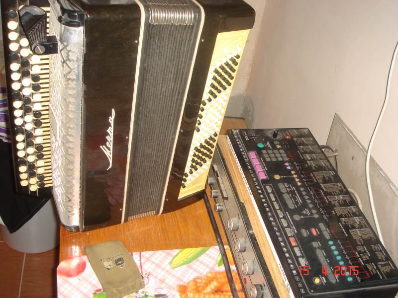 Продам баян-синтезатор