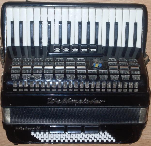 Немецкий аккордеон Вельтмейстер Метеор N 3/4