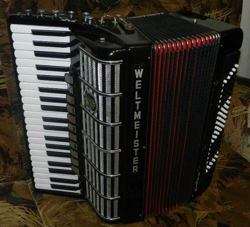 Продам готово-выборный аккордеон Weltmeister Cantus IV