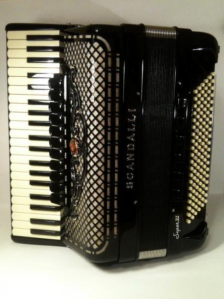 аккордеон Scandalli Super VI