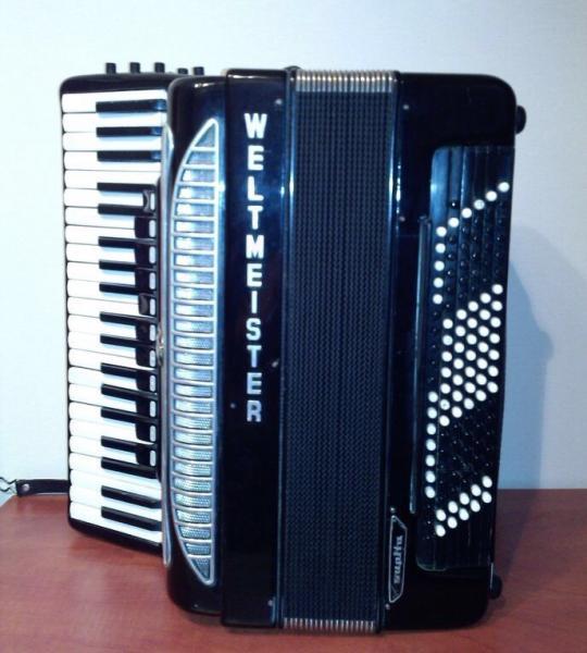 Готововыборный аккордеон Supita,за 1 тыс.долларов.Тел.+7-925-508-79-26