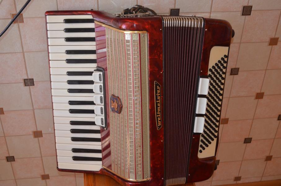 Продам редкий раритетный немецкий аккордеон Weltmeister