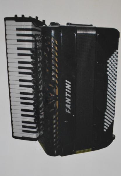 Готово-выборный аккордеон Fantini