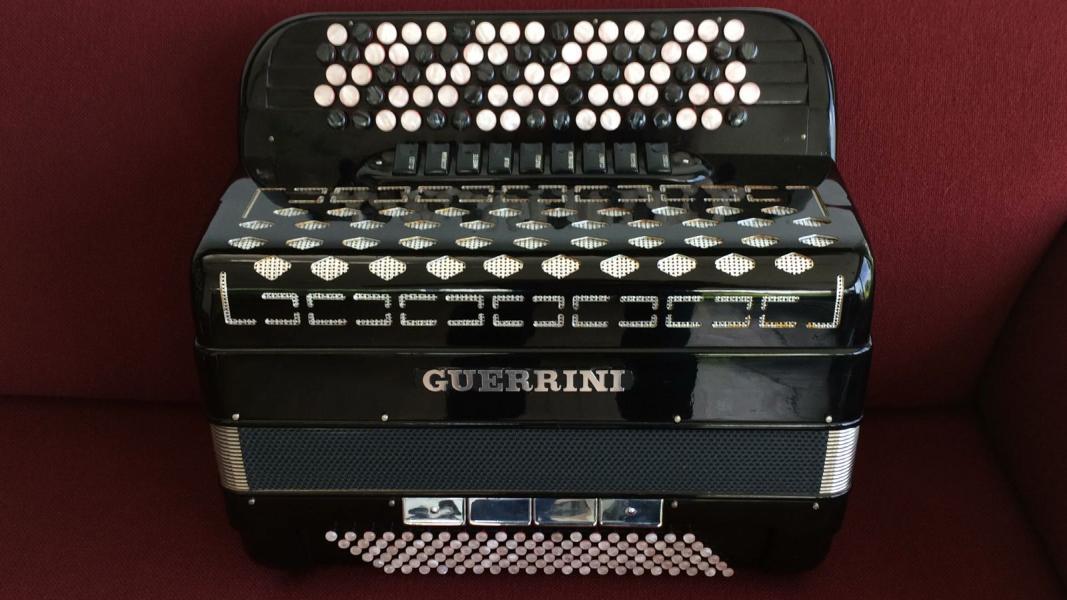 Баян Guerrini Италия