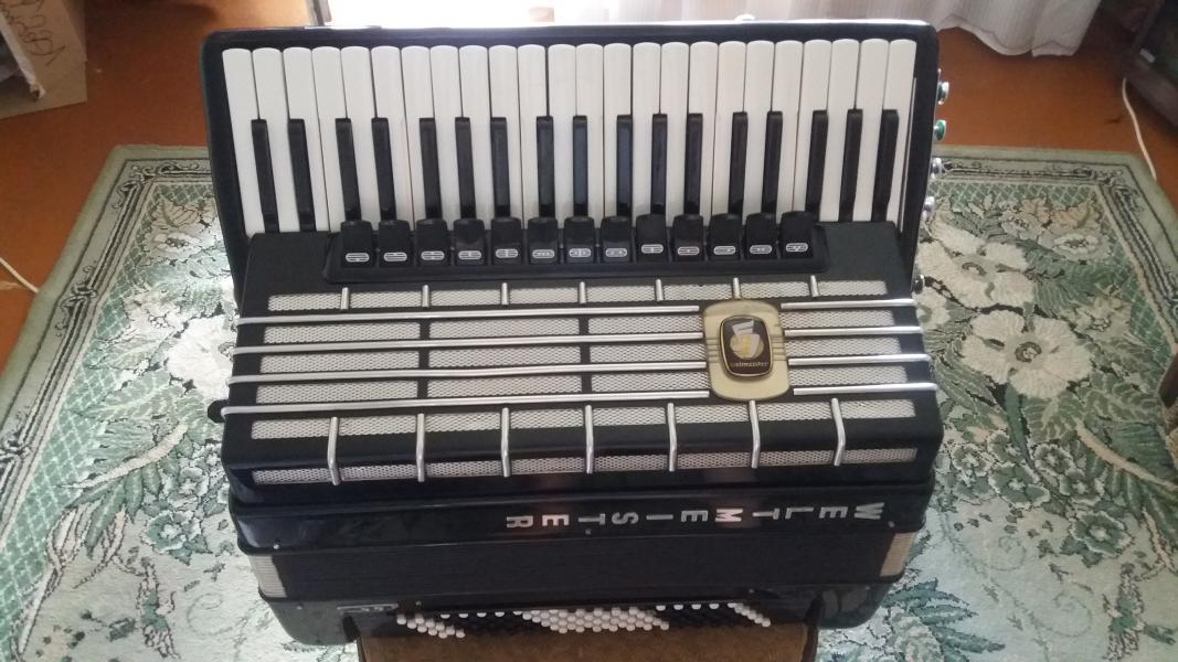 Продам Готово-выборный аккордеон Weltmeister S5 +375291408913