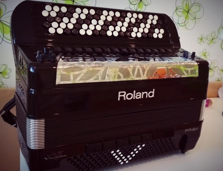 Цифровой Баян Roland FR 8 Xb 9900 бел. руб