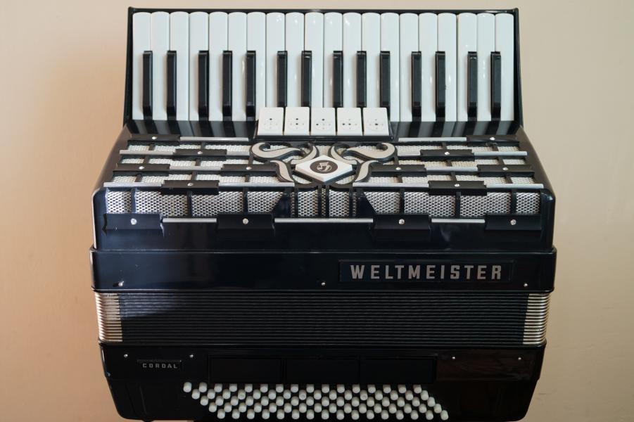 Немецкий аккордеон Вельтмейстер Кордал 3/4 80 басов  т.8029-5806824