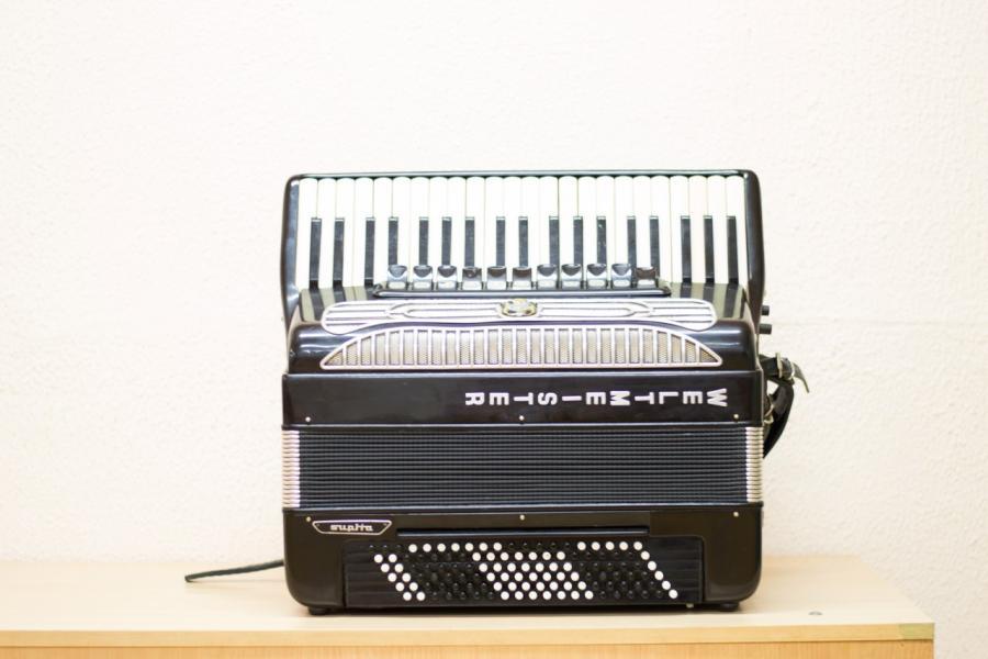 Продам готово-выборный аккордеон Weiltmeister Supita