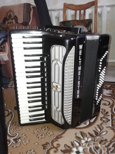 Продам аккордеон Вельтмейстер Супита 5 готово-выборный