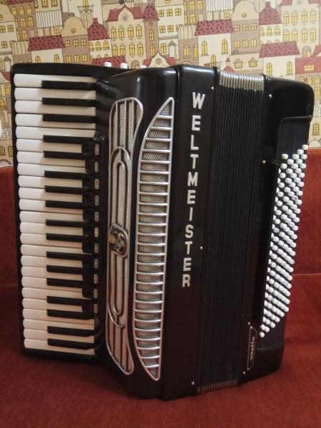 Продаю готово-выборный аккордеон Weltmeister Supita