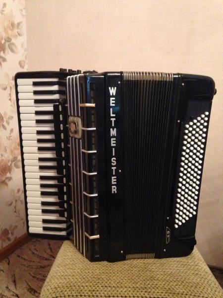 Продаётся готово-выборный аккордеон Weltmeister s5